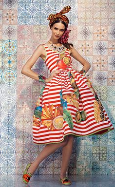 super popular 288ec 2c7ba Stella Jean  Phenomenal dress Afrikanskt Mode, Dammode, Afrikansk Stil,  Mode 2018,