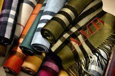La Chronique de Suzy Menkes : Livia Firth launches Sergio Rossi's Green Carpet Collection on London's Wellington Arch | Vogue