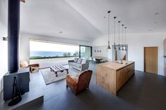 The Crow's Nest / Holiday House by AR Design Studio