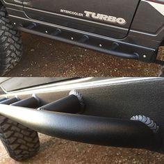 Jimny sliders coated and installed. #suzukisamurai #sammy #suzuki #jimny #suzukijimny #rockcrawler #samurai