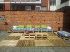 How to transform a courtyard with pallets | 1001 Pallets