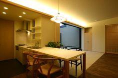 平屋のコートハウス : 新明設計が手掛けたオリジナルキッチンです。