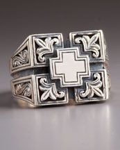 Konstantino Etched Maltese Cross Ring
