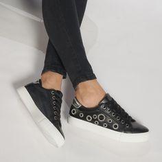Teniși negri de dama din piele ecologica cu gauri decorative it240118-61 | Fashionmix.ro