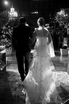 vestido de noiva com transparência + véu