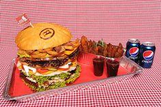 Masakr burger Vybírejte na http://babiccinrozvozjidel.cz/ a objednávejte na 725 880 008