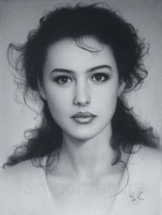 This doesn't even look like a drawing - it looks like a photo! Amazing!!!!  65 Examples of Pencil Drawing