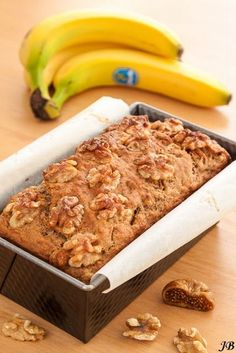 Spelled cake with figs and banana (with out sugar) Healthy Cake, Healthy Cookies, Healthy Sweets, Healthy Baking, Sweet Recipes, Cake Recipes, Snack Recipes, Dessert Recipes, I Love Food