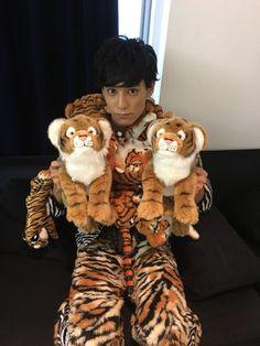 元気担当ユースケだお\( 'ω')/                あーー            今日も僕は、トラちゃん達に囲まれてしあわせだお〜                                    がお〜