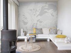 """Tapete """"Marble"""", grey – Achtung: Frisch gestri…- äh – gekleckst! Aber keine Angst, hier bleibt alles am rechten Fleck. Denn dieses tolle Digitaldruckmotiv wirkt wie ein Blick in den Farbeimer. Hier erstrecken sich auf 372 cm Breite und 280 cm Höhe ineinander verlaufende Farben, die sich ihre ganz eigenen Wege suchen. Verschiedene Grautöne fügen sich zu einem Gebilde, das in jede moderne Wohnung passt und einer Wand Ihres Raumes so einen echten Hingucker schenkt."""