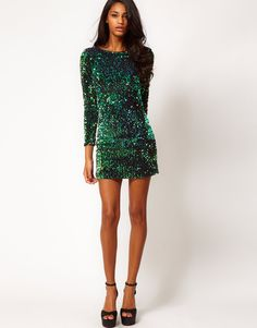 It's your time to shine. This green sequin dress with V-back has … - Party Dress Green Sequin Dress, Green Dress, Sequin Dress With Sleeves, Dress Backs, Dress Up, Bodycon Dress, Dress Casual, Sexy Dresses, Short Dresses