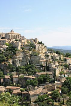 Scenes of Provence: Gordes. Photography by Holly Marder for Avenue Lifestyle.