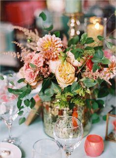 peach and gold wedding ideas #peachwedding #southernwedding #weddingchicks http://www.weddingchicks.com/2013/12/27/stately-southern-wedding/