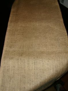 Burlap table runner. (: