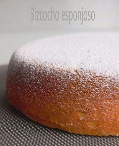 Un propuesta dulce ideal para el desayuno.    BIZCOCHO ESPONJOSO DE YOGUR  Ingredientes:   250g de mantequilla  250g de harina  250g de azúc...