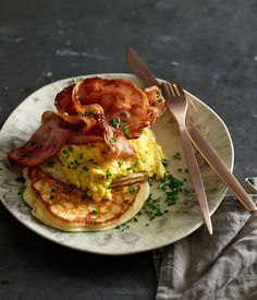 Australian Gourmet Traveller fast recipe for sweet creamed corn with buttermilk pancakes and bacon.