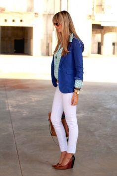 great outfit - white skinnies + wedges + blue blazer