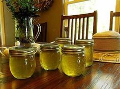 Corn Cob Jelly ~ An old-fashioned treat that tastes just like honey! (And all those years of throwing the corn cobs in the compost ~ I could have been making jelly!!!!)