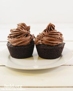 Chocolate Cupcakes for Two - for when you want to indulge just a little #lmldfood
