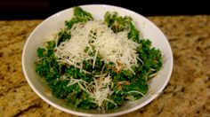 Delicious and healthy Tuscan Kale Salad with toasted bread crumbs and peccorino romano. Kale Chips, Kale Salad, Bread Crumbs, Seaweed Salad, I Foods, Smoothies, Healthy Recipes, Eat, Cooking