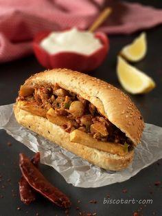 Spicy Chicken Sandwiches  أطيب و ألذ سندويش الدجاج السبايسي , راااائع مع كريم الثوم و البطاطا المقلية