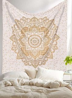 """Exclusive """" Orignal Gold Ombre Tapestry by Labhanshi"""" Ombre Bedding Mandala Tapestry Queen Indian Mandala Wall Art Hippie Wall Hanging Bohemian Bedspread Look at these beautiful Wall Tapestries. Your new room redo is only a click away. Trippy Tapestry, Psychedelic Tapestry, Dorm Tapestry, Indian Tapestry, Mandala Tapestry, Tapestry Gold, Tapestry Bedroom, Mandala Print, Tapestry Fabric"""
