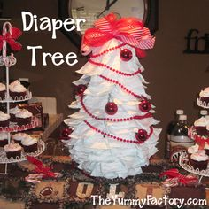 Christmas Baby Shower Diaper Tree, Diaper Cake idea - Craft ~ Your ~ Home Diaper Parties, Baby Shower Parties, Baby Shower Themes, Baby Shower Decorations, Shower Ideas, Baby Shower Diapers, Baby Boy Shower, Baby Shower Gifts, Baby Gifts
