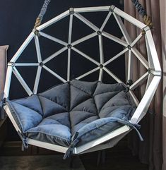 Hanging Swing Chair, Swinging Chair, Easy Woodworking Projects, Wood Projects, Unique Sofas, Royal Furniture, Couch Table, Geodesic Dome, Industrial Furniture