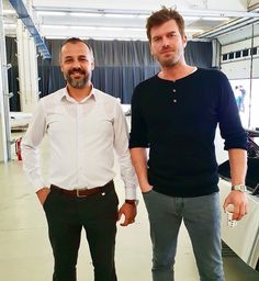 Our SUPERSTAR Kivanç Tatlitug with a fan in the Intercity Istanbul Park before training. Crush Love, My Crush, Beautiful Green Eyes, Men Photography, Actor Model, Turkish Actors, Superstar, Istanbul, Hairstyle