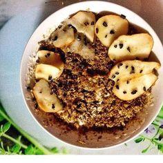 Porque para mim o pequeno almoço é o melhor momento do dia! A minha Fast Food: Grego ligeiro  cereais Weetabix  whey Caramelo Salgado pb crunchy e butterscotch syrup    e pepitas de cacau cru     novo post no blog  #whey #breakfast #healthyfood #eatclean #morning #carbs #pb #weetabix #fitfam #protein #iswari #cacaunibs #gains #iifym #foodporn #instafit #fitgirl #mywheystore #chocolate #healthysnack #saltedcaramel #fiber #butterscotch #syrup #healthylife #whpt #foodspiration #instafood…