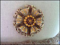 Vintage Costume Jewellery Brooch Stunning di CuriosityCollectors