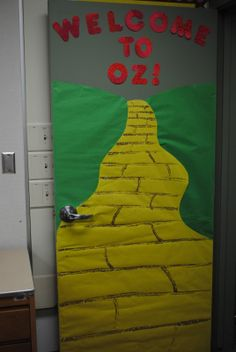 school door decorating ideas | ... us decorating the door my awesome hubby did this door for me as well