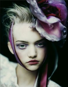 Paolo Roversi #fashion #editorial #portrait #flowers #purple #makeup #beauty