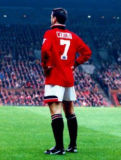 Eric Cantona, Manchester United FC - best player ever to grace the United crest in my lifetime. Ronaldo was great, but became greater at Real. King Eric is the one for me. Eric Cantona, Manchester United Fans, Soccer Stars, Sports Stars, Tottenham Hotspur, Ronaldo, Premier League, Pogba, World Cup