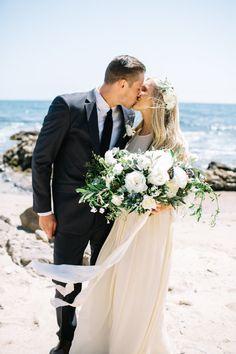 Relaxed + Rustic Newport Beach Wedding: http://www.stylemepretty.com/california-weddings/newport-beach/2015/10/23/relaxed-rustic-newport-beach-wedding/ | Photography: Rachel Jane - http://racheljanephoto.com/