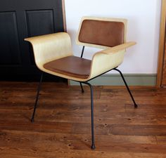 Molded plywood side chair by Logan Hendrickson of onefortythree