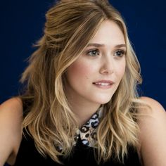Elizabeth Olsen as mrs De Winter
