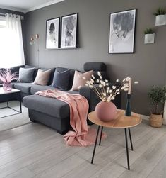 42 Very Cozy and Practical Decoration Ideas for Small Living Room – Decor Style 2019 Cozy Living Spaces, Living Room Grey, Living Room Interior, Home Living Room, Apartment Living, Living Room Designs, Living Room Decor, Small Living, Cozy Apartment