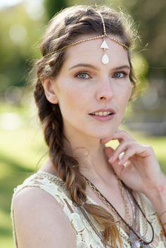 Beauty Must-Haves for Boho Wedding: https://www.flaconi.de/boho-wedding-look-braut/?som=pinterest.post.flaconi_wedding_170627.