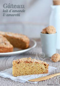 Pour changer un peu du classique gâteau aux amandes, on associe le lait d'amande et les amaretti. Le gâteau est extra-moelleux, avec une croute très croustillante. Régal assuré !