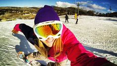 how to snowboard. Alexa Hohenberg shares her 12 tips for beginners Snowboarden Ski Et Snowboard, Snowboard Girl, How To Snowboard, Snowboard Design, Snowboard Equipment, Snowboarding For Beginners, Snowboarding Gear, Snowboarding Tattoo, Winter Hiking