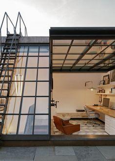 My ideal home — stunning attic workspace with direct rooftop. My ideal home — stunning attic works Casa Loft, Attic Renovation, Attic Remodel, Attic Rooms, Attic Bathroom, Attic Playroom, Attic Apartment, Garage Attic, Attic Closet