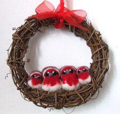 Christmas Wreath Robin Family of Felt Birds.  via Etsy.