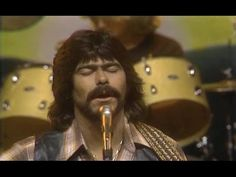 Alabama - 'Feels So Right' by Ralph L. 1981 country music video by the RCA group Alabama. Randy Owen is my original boyfriend (my family understands this) Country Music Stars, Old Country Music, Country Bands, 80s Music, Music Love, Music Songs, Good Music, Country Music Videos, Country Music Singers