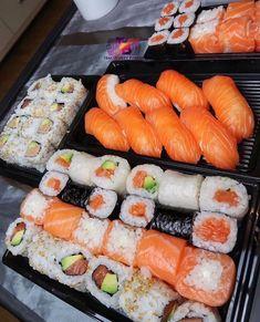 🎱🦋💕 Pin: SheSoBoujiee 🎱🦋💕 Cute Food, I Love Food, Good Food, Yummy Food, Sushi Recipes, Food Goals, Aesthetic Food, Food Cravings, Food Pictures