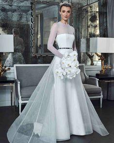 4eaf913c7 34 mejores imágenes de vestidos de novia modernos en 2019