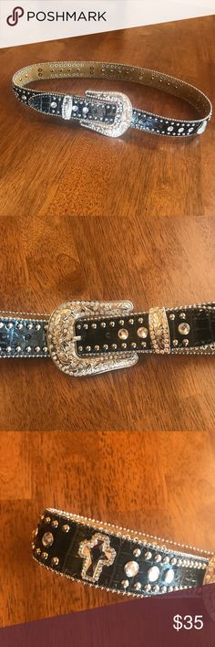 Blazin Roxx Western Black Rhinestone Cross Belt Pre-owned Blazzin Roxx women's embellished rhinestone cross beaded belt. big beautiful silver buckle. sz S 34'' long  excellent pre-owned condition. Blazin Roxx Accessories Belts
