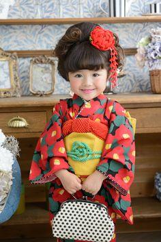 3-22 黒椿奴 Japanese Kimono, Japanese Fashion, Japanese Kids, Cute Kids Photography, Sewing Lingerie, Folk Costume, Costumes, Kimono Dress, Yukata