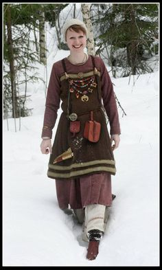 Norse kit - notice her purse belt and knife - married women were to have a headdress on at all times to indicate that they were married
