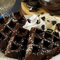 COOKIES and CREAM WAFFLES. Warm chocolate waffle cakes with vanilla ice cream, Oreo cookie crumbs and whipped cream. Drizzled with chocolate sauce. Just Desserts, Dessert Recipes, Waffle Maker Recipes, Chocolate Waffles, Chocolate Oreo, Chocolate House, Dessert Chocolate, Chocolate Cookies, Chocolate Recipes